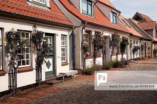 Europa Wohnhaus angeln typisch Deutschland Holm Viertel Menge Schleswig-Holstein