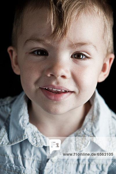 Junge lächelnd  Nahaufnahme