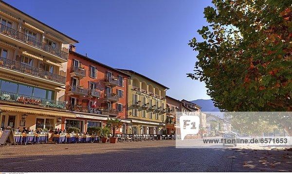 Castelgrande in Bellinzona  Tessin  Schweiz  gesehen von der Piazza del Sole.