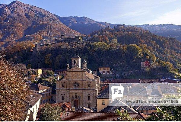 Der Glockenturm des Rathauses Palazzo Civico in Bellinzona  Tessin  Schweiz