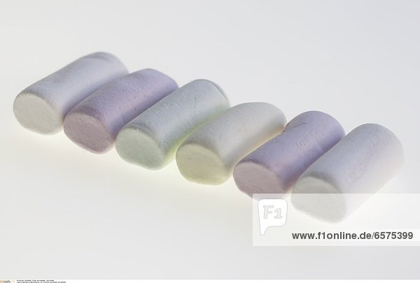 Biologische Marshmallows  mit Fruchtsaft aromatisiert und gefŠrbt