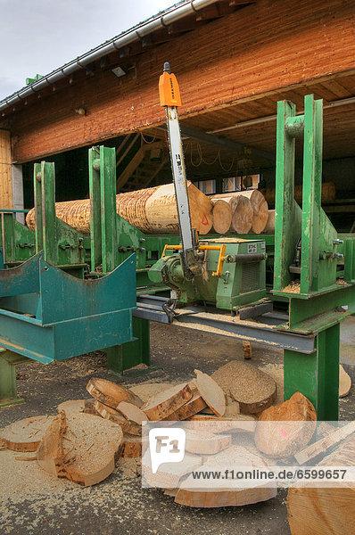 Sägewerk Europa schneiden groß großes großer große großen Holz Bauholz Gegenstand Österreich Säge Vorarlberg