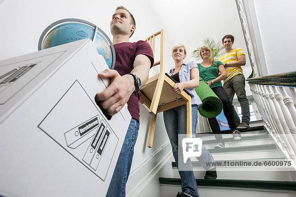 tragen Treppenhaus Möbel