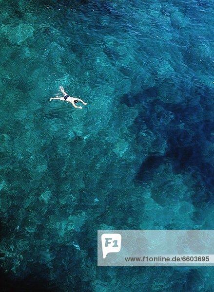 Tourist  Meer  schwimmen
