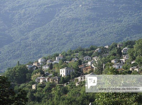 Berg Gebäude hoch oben Griechenland