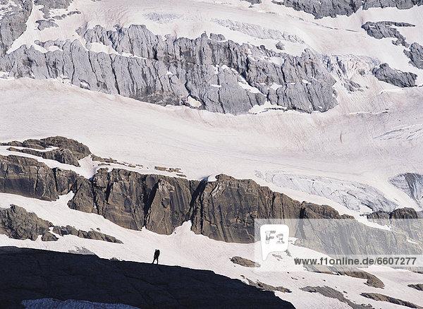 unterhalb  Berg  Berggipfel  Gipfel  Spitze  Spitzen  wandern  Pyrenäen
