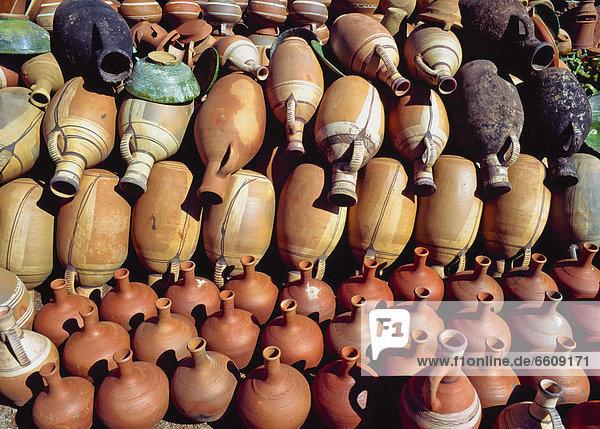 Ceramic Pots And Vases At Merket