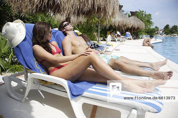 sonnenbaden sonnen Mexiko jung schwimmen