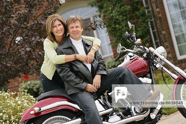 Portrait  Frau  Mann  Motorrad