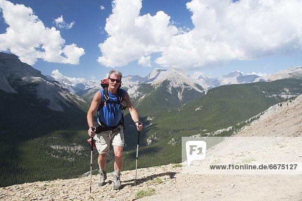 Berg  Mann  gehen  folgen