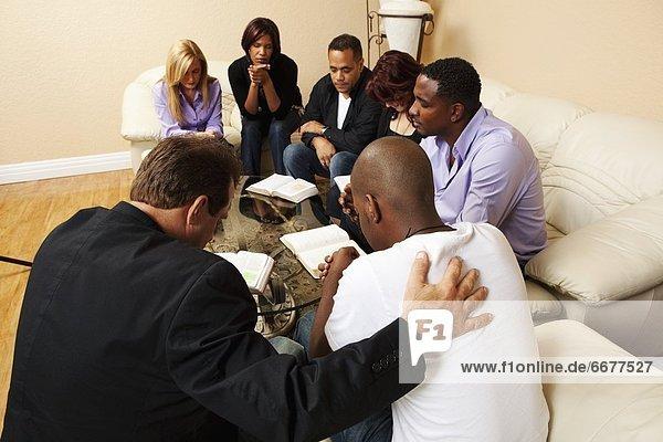 Zusammenhalt Wohnhaus Gebet