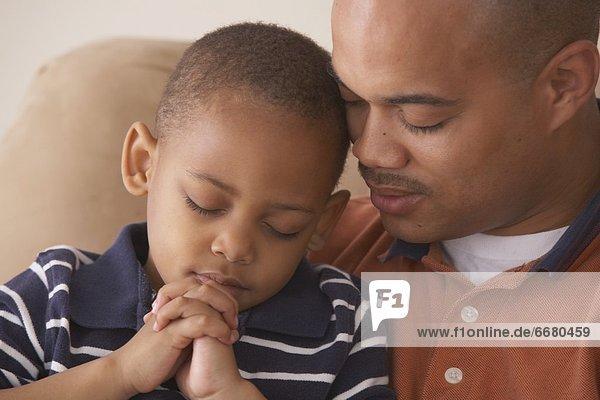 Zusammenhalt  Menschlicher Vater  Sohn  Gebet