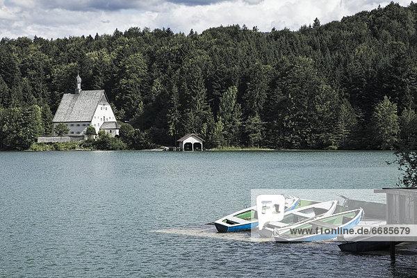 Wasserrand  klein  See  Boot  Kapelle