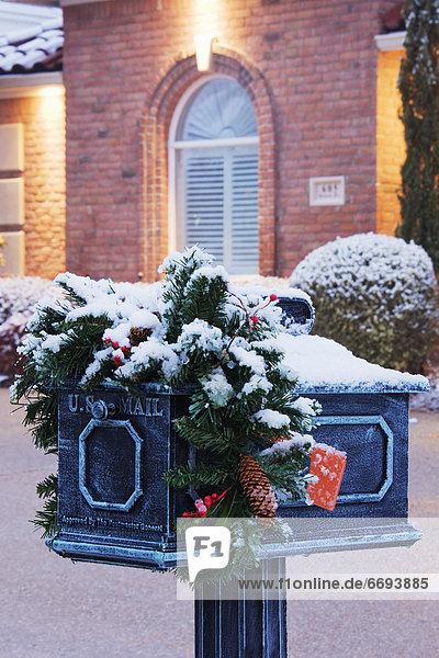 Winter Briefkasten