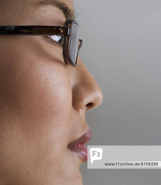 Profil  Profile  Frau  Ansicht  Kleidung