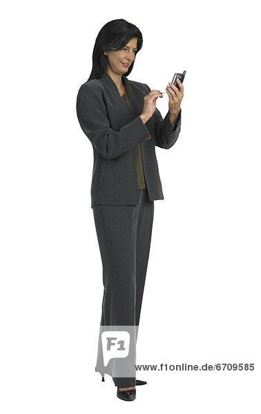 Geschäftsfrau Blick auf Handy
