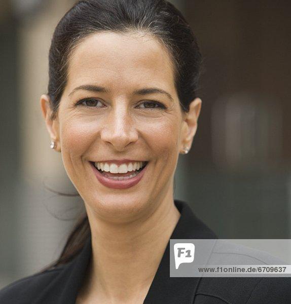 Close up Frau lächelnd Außenaufnahme