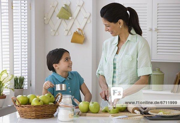 Produktion Apfel Tochter Mutter - Mensch