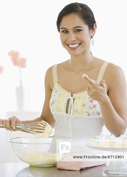 Frau Küche rühren Kuchenteig Frau,Küche,rühren,Kuchenteig
