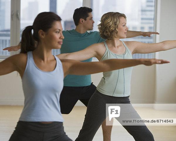 Mensch  Menschen  Yoga  multikulturell