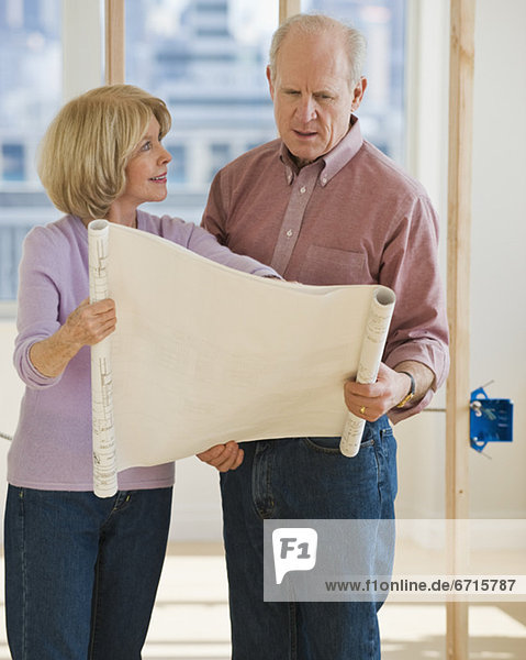 Senior Senioren sehen Blaupause