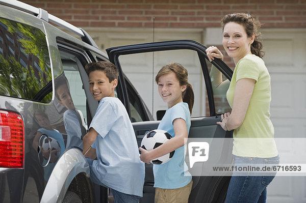 Auto, Fußball, Ball Spielzeug, Mutter - Mensch, bekommen
