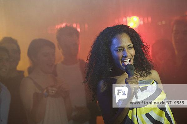 Frau  Gesang  Karaoke