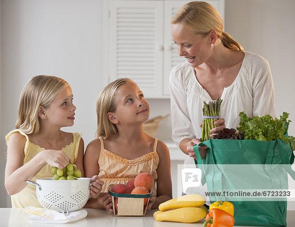 Küche  Tochter  Mutter - Mensch