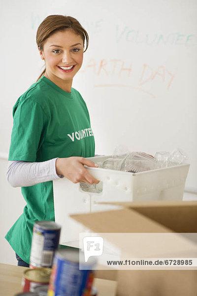 Vereinigte Staaten von Amerika  USA  Portrait  Frau  jung  Jersey City  New Jersey  Freiwilliger