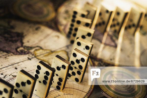 Dominostein  alt  Weltkarte