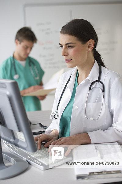 Computer  arbeiten  Arzt  Chirurg  Hintergrund
