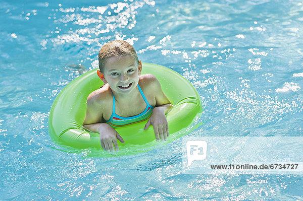 Portrait, Schwimmbad, 10-11 Jahre, 10 bis 11 Jahre, Mädchen
