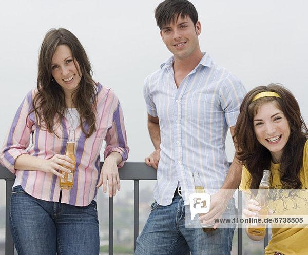 Freundschaft  Party  trinken  Bier