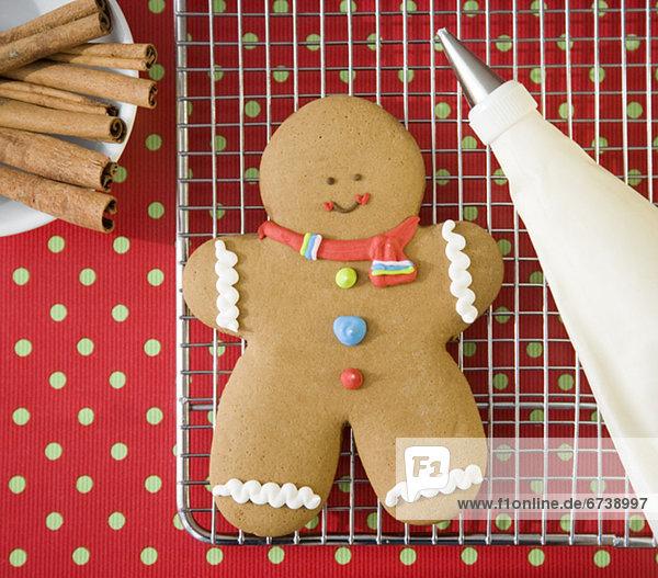 Wäscheständer Mann Kälte Lebkuchen Keks
