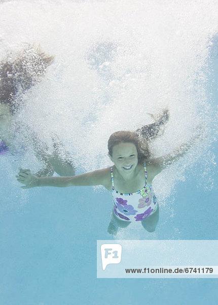 USA  New York  Girls (10-11  10-11) in swimming pool