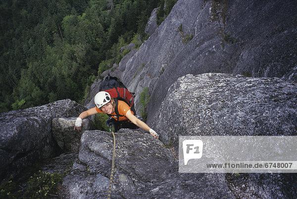 Felsbrocken  Frau  Vogel  Squamish  British Columbia  klettern  Beutetier  Beute