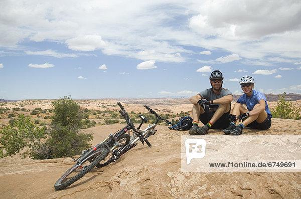sitzend  Berg  Fahrradfahrer  Wüste  Fahrrad  Rad