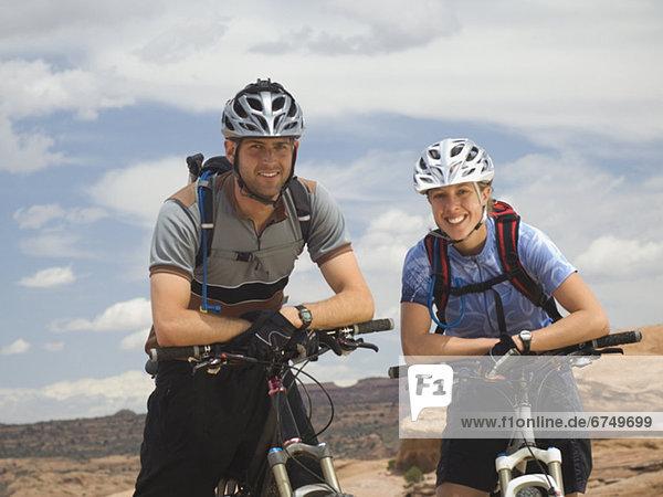 sitzend  Berg  Fahrrad  Rad
