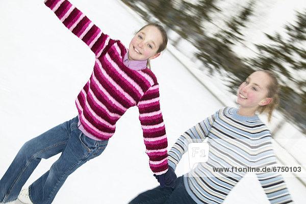 Schwester  halten  Außenaufnahme  Eisbahn