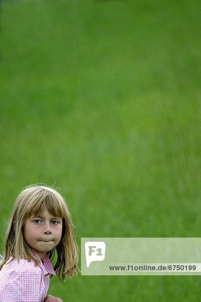 grün  Hintergrund  Gras  Mädchen