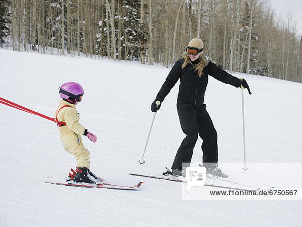Skisport  Mutter - Mensch