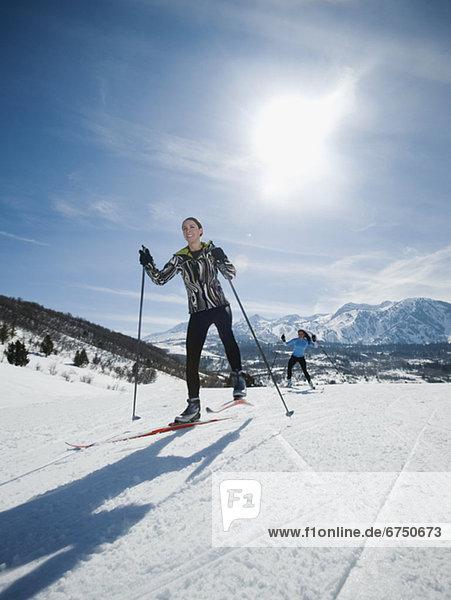 überqueren  Frau  Skisport  Kreuz