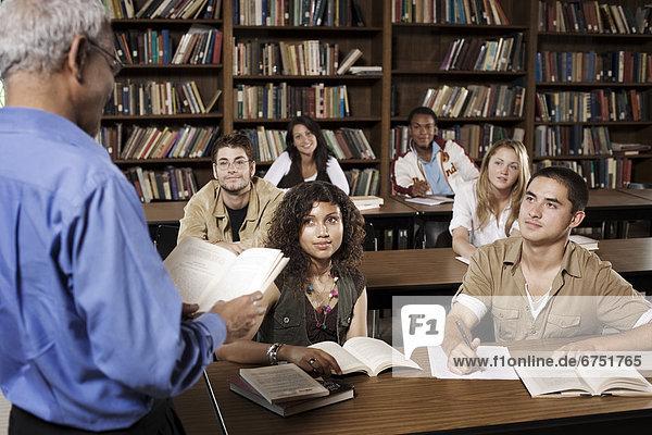 Lehrer  vorlesen