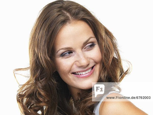 Portrait  Frau  sehen  lächeln  jung  wegsehen  Reise  Studioaufnahme