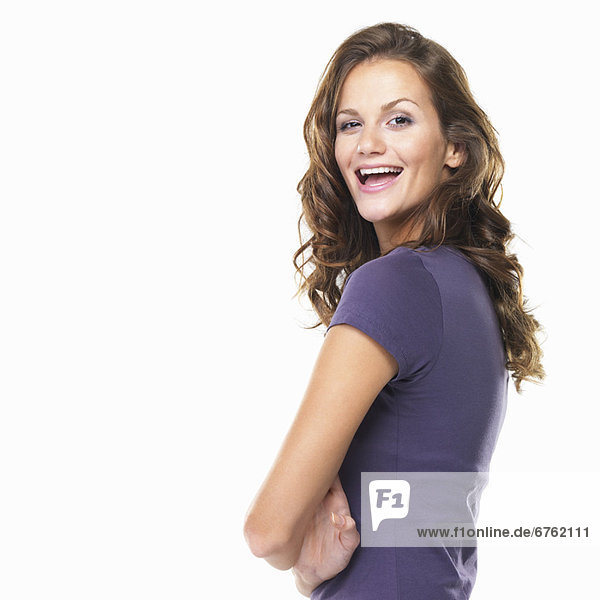 Portrait  Frau  Schönheit  lächeln  jung  Studioaufnahme  gefaltet