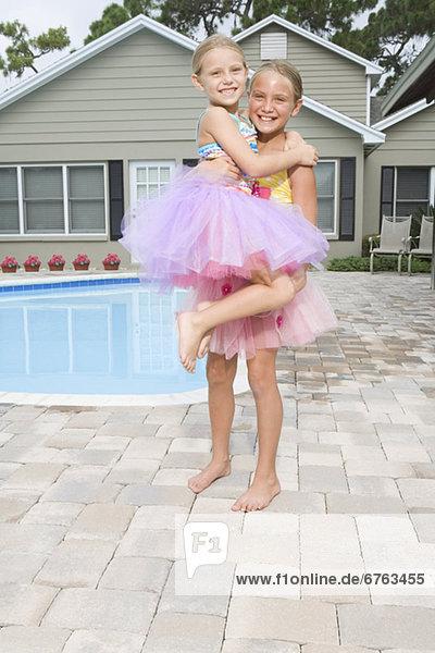 Ballettröckchen Schwimmbad Mädchen spielen