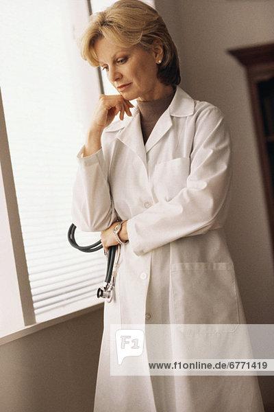 sehen  Arzt  Nachdenklichkeit