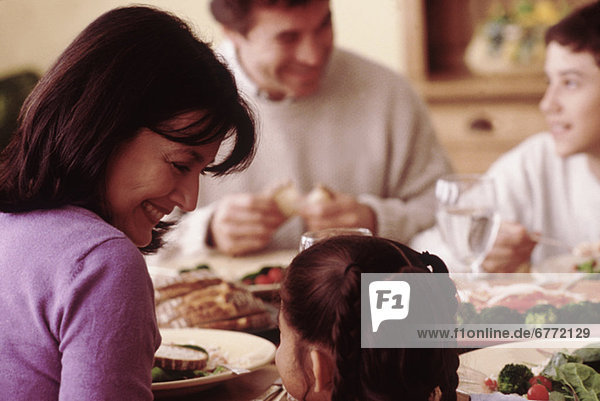 Interior zu Hause Abendessen essen essend isst