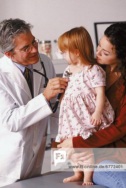 Arzt  jung  Untersuchung