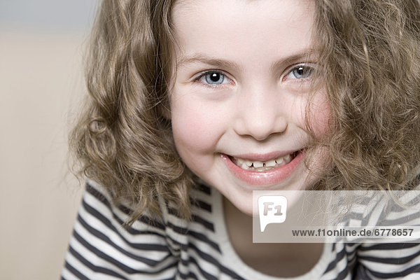 Portrait  Fröhlichkeit  5-9 Jahre  5 bis 9 Jahre  Mädchen